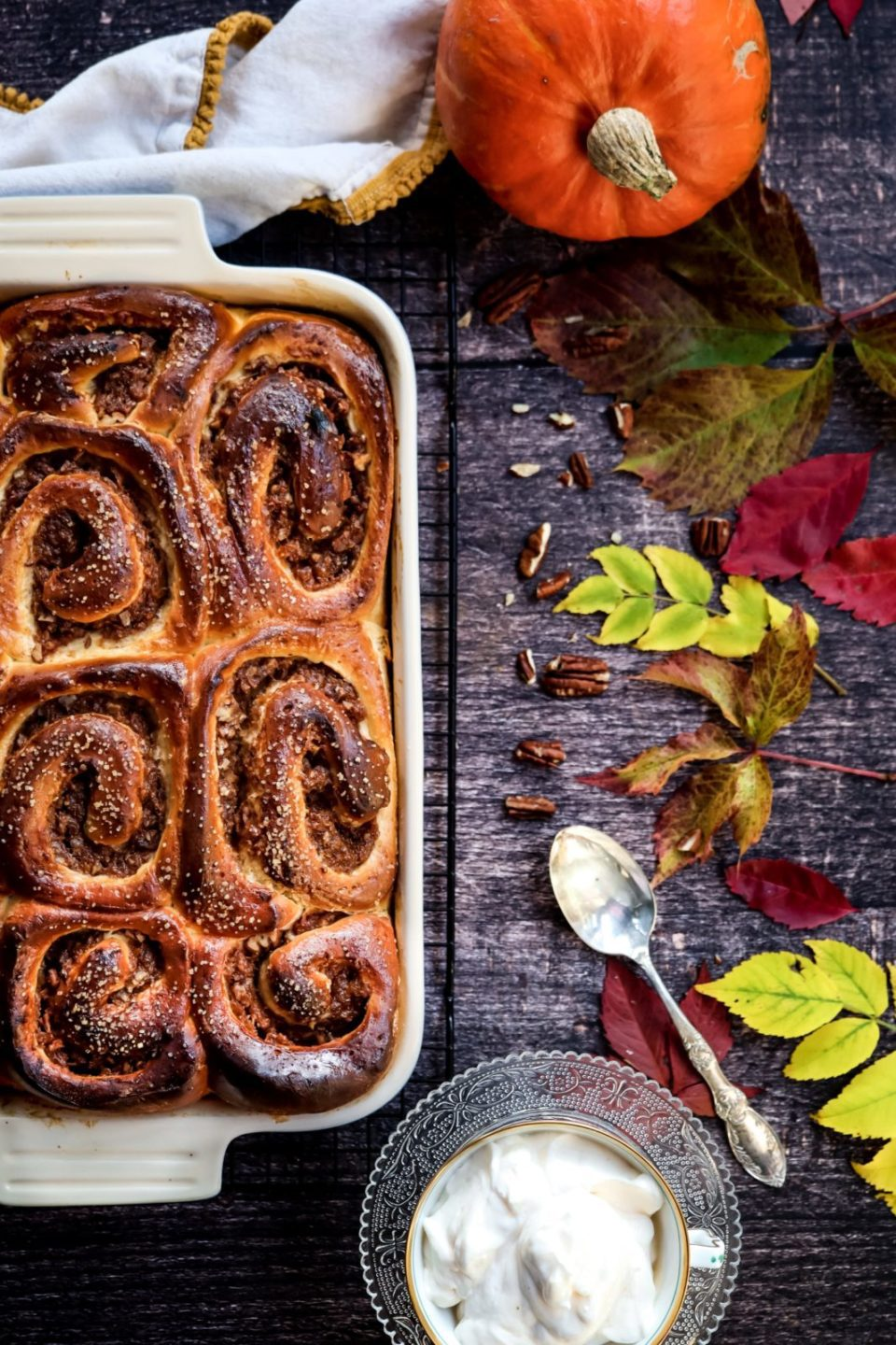 Cinnamon brioche rolls in the baking tray