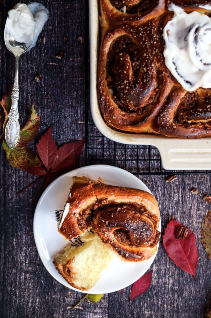 Cinnamon brioche roll without glaze