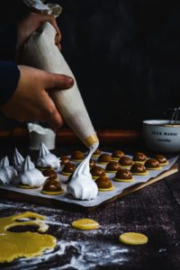 Cookies topped with meringues , easy christmas cookie recipes