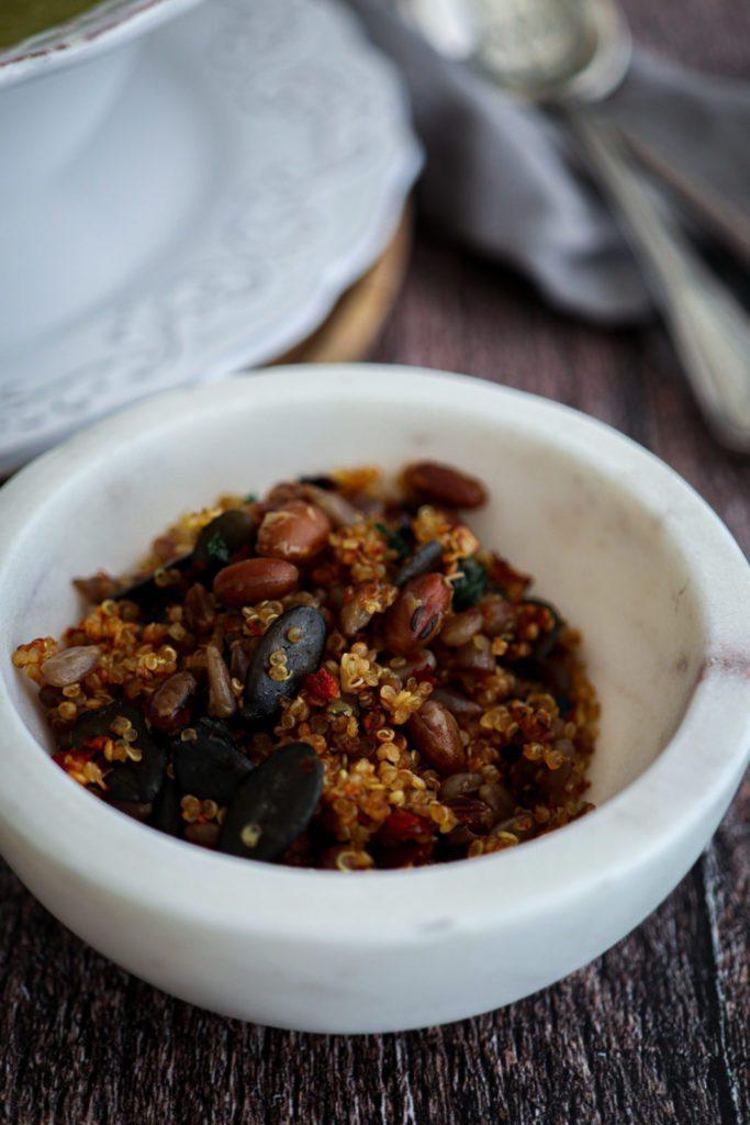 garlic quinoa crunch