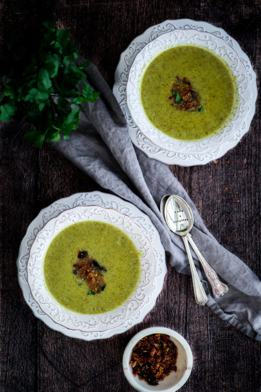 Broccoli soup, garlic quinoa crunch