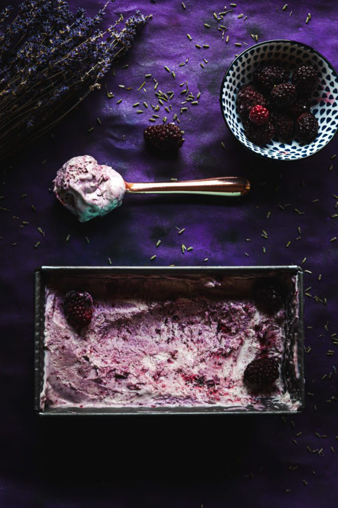 no churn ice cream with blackberries and lavender, blackberry recipes ice cream sandwiches